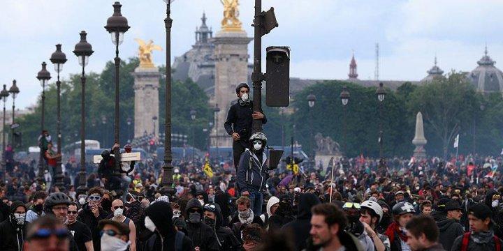Paris Valiliği'nden Sendikalara 'Yürümeyin' Çağrısı