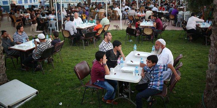 Anadolu Öğrenci Birliği'nden Gazze'de İftar