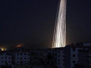 Rus Uçakları Halep'i Fosfor Bombasıyla Vurmaya Devam Ediyor