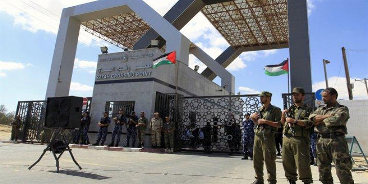Sisi, Cami Katliamı Bahanesiyle Refah'ı Kapadı