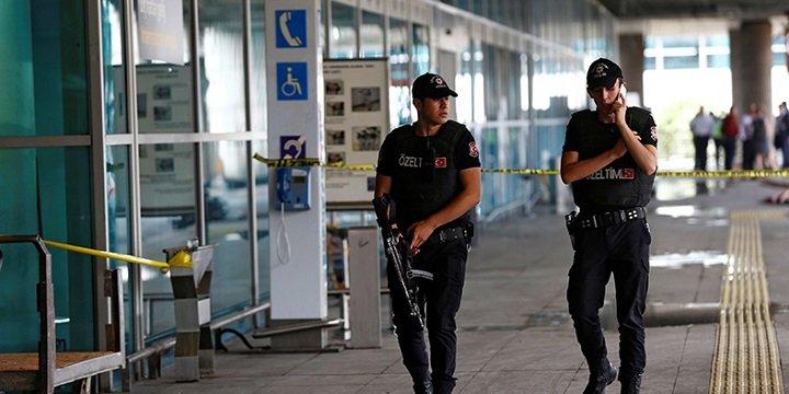 Atatürk Havalimanı Saldırısında 17 Şüpheliye Tutuklama Talebi