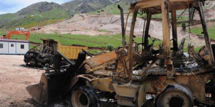 Van'da Şantiye Basan PKK'liler 23 Aracı Yaktı!