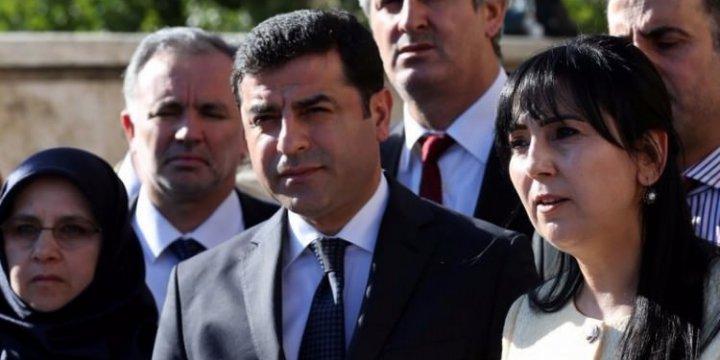 IŞİD'in Katlettikleri Kürt de, PKK'nın Katlettikleri Böcek mi?
