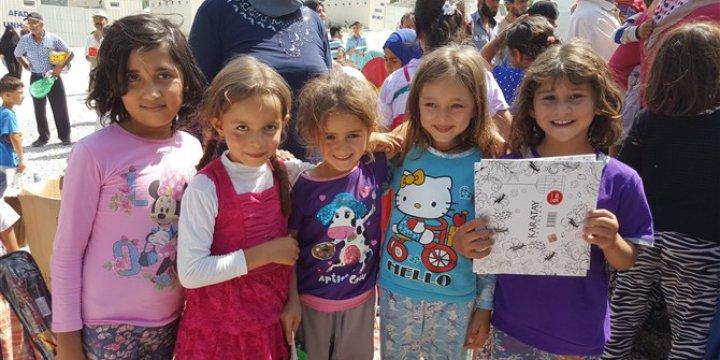 Özgür-Der'in Suriyeli Çocuklara Bayramlık Hediyeleri Ulaştırıldı