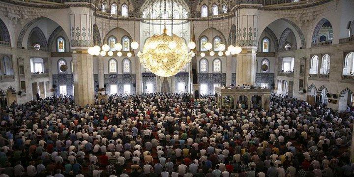 İslam Dünyasında Ramazan Bayramı İçin İki Ayrı Tarih