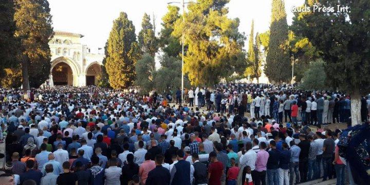 150 Binden Fazla Kişi Mescid-i Aksa'da Bayram Namazı Kıldı