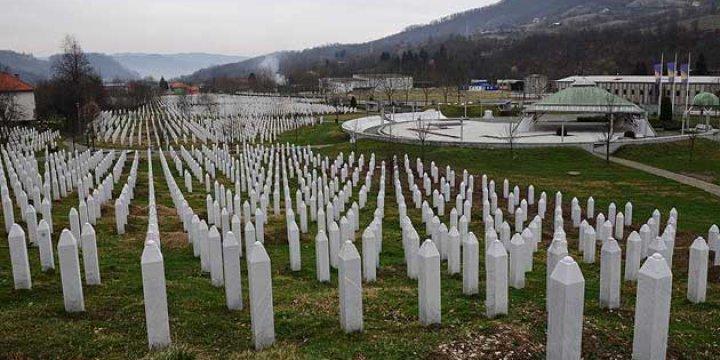 Srebrenitsa'da Soykırım Kurbanları Hırvat Meclisinde Anıldı