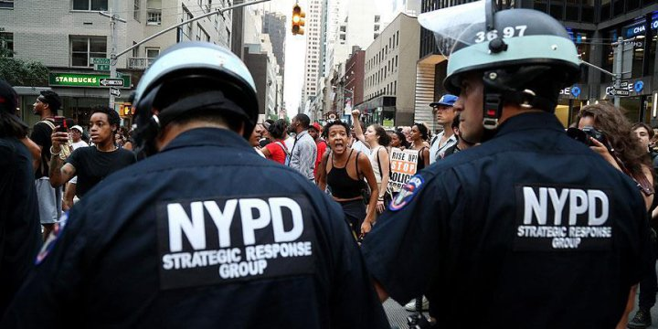New York'taki 'Polis Şiddeti' Protestolarında 40 Gözaltı