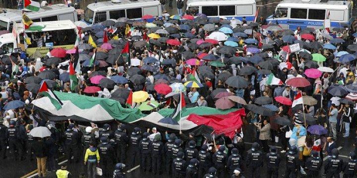 Almanya'nın İsrail'e Silah Satışlarına Protesto