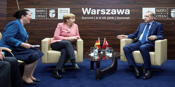 Merkel ve Erdoğan İncirlik'te Anlaşamadı