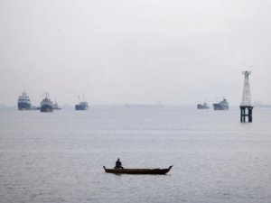 Güney Çin Denizi'nde Gerilim Devam Ediyor