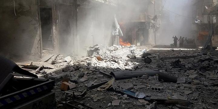 Esed, Humus ve İdlib'e Saldırdı: 28 Kişi Hayatını Kaybetti!