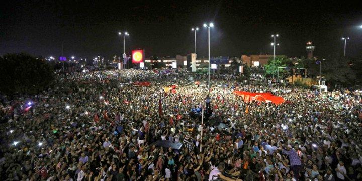 Türkiye Genelinde 754 Darbeci Gözaltına Alındı