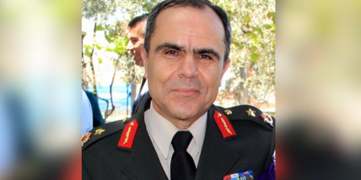 2 Albay Midilli'ye Kaçmak İsterken Yakalandı