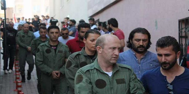 Malatya'ya İzinsiz İnen 8 Askeri Uçak Dolusu Darbeci Gözaltında