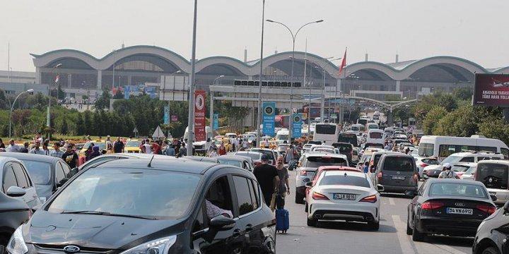 Sabiha Gökçen Havalimanı'nda 11 Asker Gözaltına Alındı