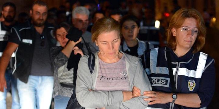 Kayseri'de 29 Hâkim ve Savcı Tutuklandı