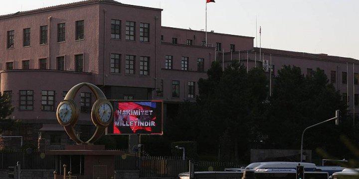 Genelkurmay'ın Önünde Artık 'Hakimiyet Milletindir' Yazıyor