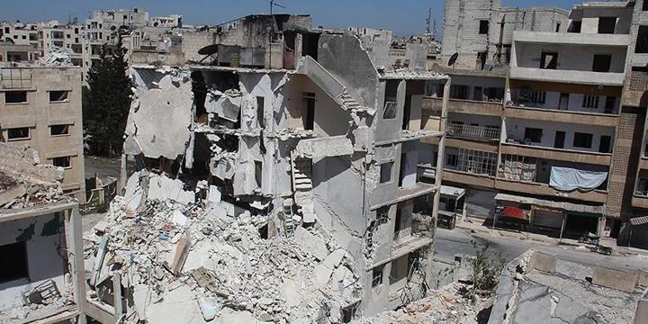 Rusya, İdlib'e Saldırdı: 15 Sivil Hayatını Kaybetti!