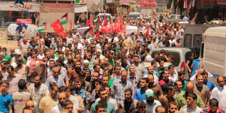 Gazze Halkı, Türkiye Halkının Direnişini Meydanlarda Selamladı