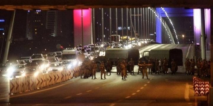 Boğaziçi Köprüsü'nün Adı Artık 15 Temmuz Şehitler Köprüsü