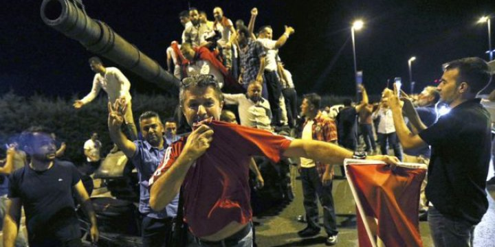 """""""Batı'da Demokrasi Maskeleri Düşerken"""""""