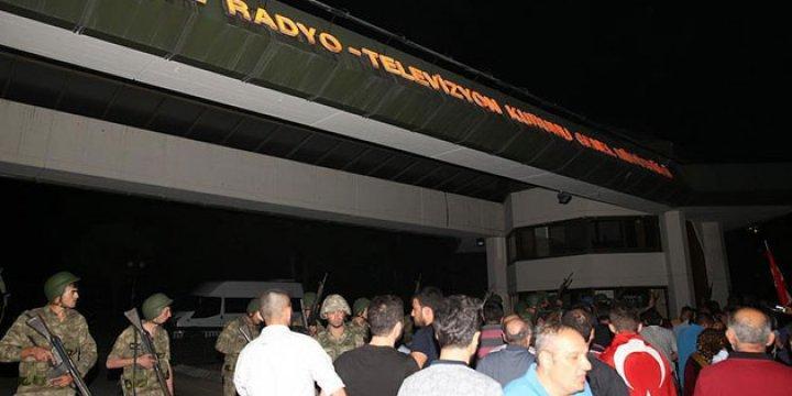 Darbecilerin TRT Müdürü Albay Tutuklandı