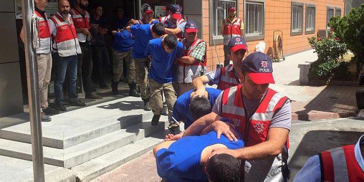 AK Parti İstanbul İl Başkanlığı'nı İşgal Eden 68 Asker Tutuklandı