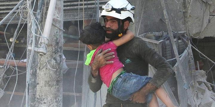 """Dünya, Halep'e Kör ve Sağır"""