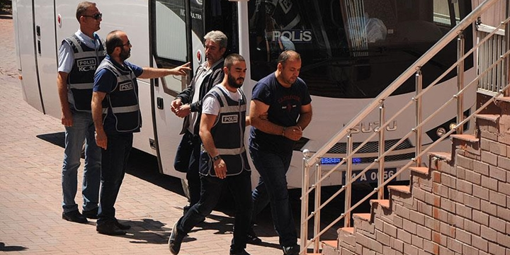 Bartın'da 12 Emniyet Mensubu Tutuklandı
