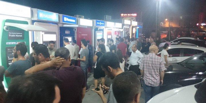 15 Temmuz'da Halk Direnişe Koşarken, Birileri de ATM'lere Koştu