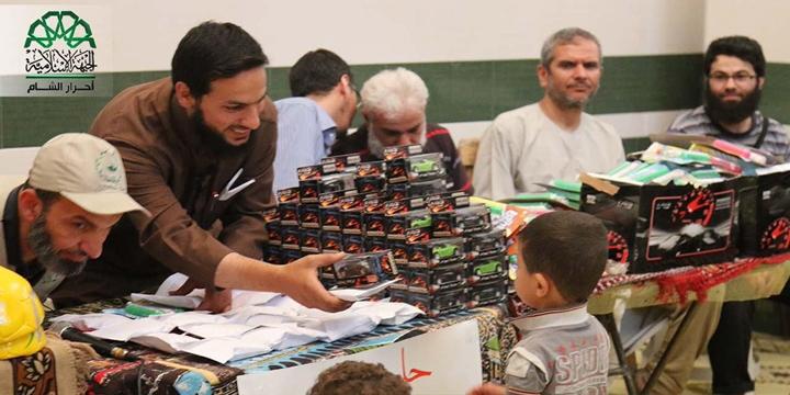 Ahraru'ş-Şam, Halepli Çocuklara Hediye Dağıttı