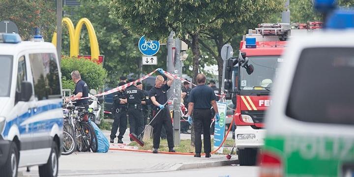 Almanya'da Bir Restoranın Önünde Patlama
