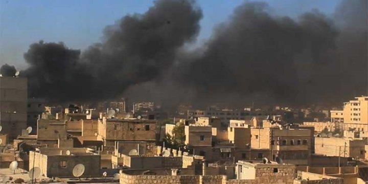 Halep'te Uçak Bombardımanlarına Karşı Lastik Yakıyorlar