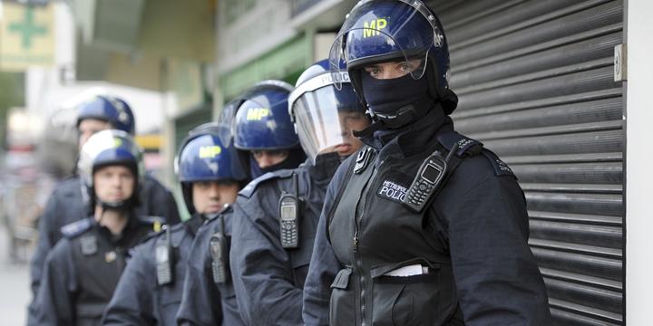 Londra Sokaklarındaki Silahlı Polis Sayısı Arttırılıyor