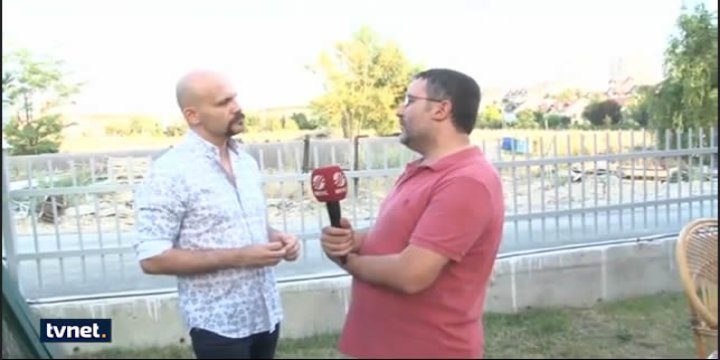 Muhabir Dayanamayıp, Atalay Demirci'nin Yüzüne Tükürdü