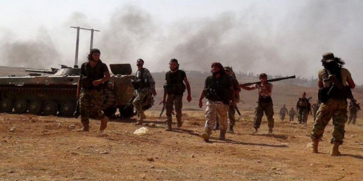 Fetih Ordusu Halep'te İki Önemli Noktayı Ele Geçirdi (Video)