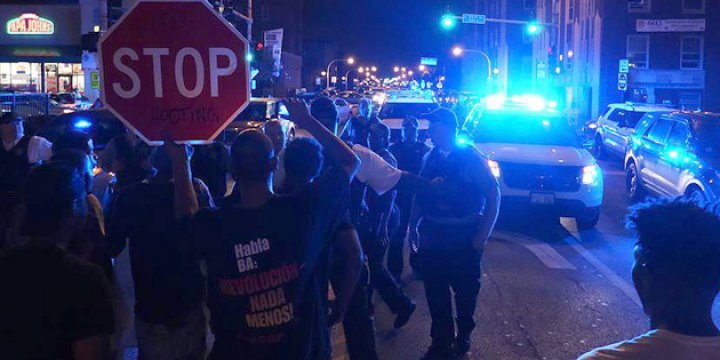 ABD'de Siyahilere Karşı Şiddet Protestosu