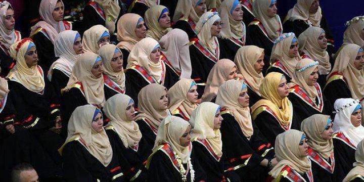 Gazze'de İşitme Engellilerin İlk Üniversite Mezuniyeti