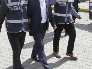 Dicle Üniversitesi'nde 64 Personel Gözaltına Alındı