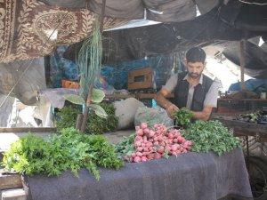 Kuşatmanın Kırılmasının Ardından Halep'e Yiyecek Sevkiyatı (Foto)
