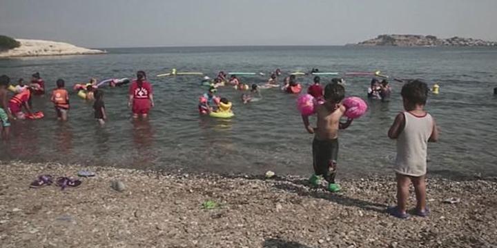 Mülteci Çocuklar Denizle Arkadaş Olmayı Öğreniyor