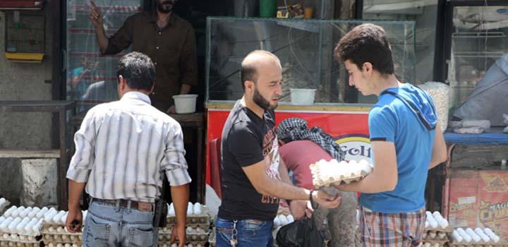 Halep'e Gıda Malzemeleri Girişi Başladı