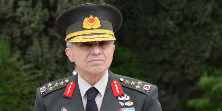Cuntacılar Galip Mendi'ye Silah Doğrultmuş