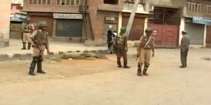 Keşmir'de Protesto Gösterisi: 1 Asker Öldü