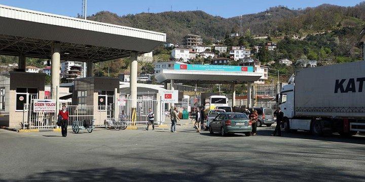 2'si Öğretim Üyesi 3 Kişi Gürcistan'a Kaçarken Yakalandı