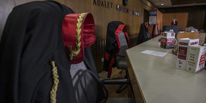 Aranan 40 Avukattan 39'u Firarda