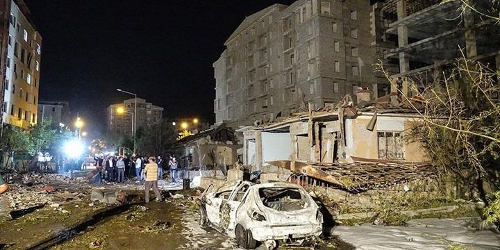 Van'daki Saldırıda Yaralanan Polis Hayatını Kaybetti!