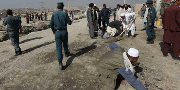 Taliban Stratejik Bir İlçeyi Ele Geçirdi