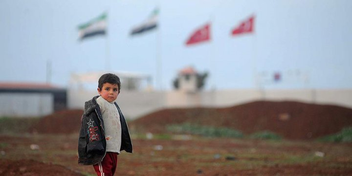 """""""Erdoğan Suriye'de Doğru Yerde Durdu, Sürdürmeli"""""""
